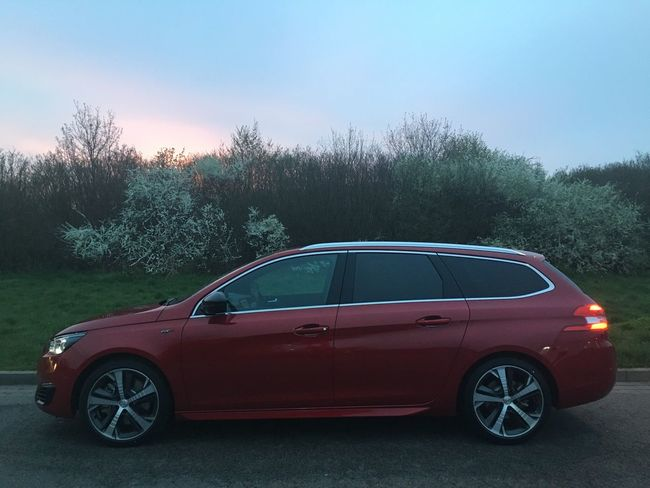 En route to Berlin w/ this Peugeot 308SW GT!