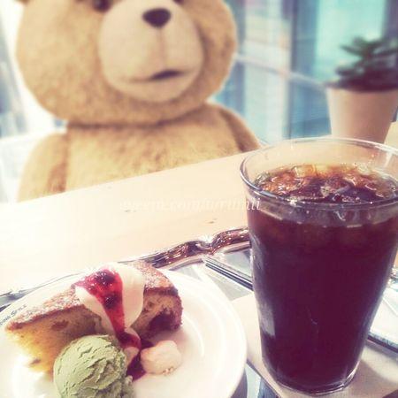 あげないよ(`・ω・´)Ted Playing With Pictures. Cafe Time EyeEm Best Edits