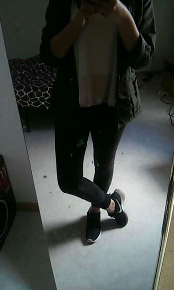 Ootd Rosherun Nike Zaracoat Blackjeans Whiteteeshirt Frenchgirl Outfit Of The Day Outfitoftheday Hello