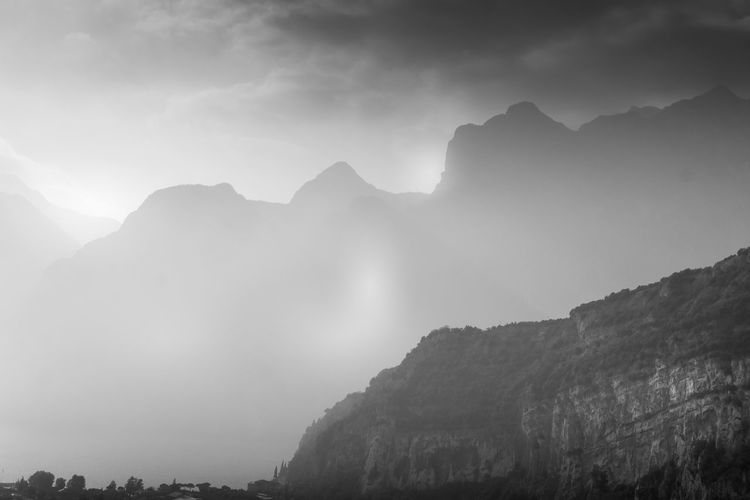 Black & White Dunst Italia Italie Italien Italy 🇮🇹 Lago Di Garda Nature Nebel Riva Del Garda Athmosphere Beauty In Nature Biancoenero Black And White Blackandwhite Day Eyeem Photo Of The Week Fog Foggy Italy Italy❤️ Italy🇮🇹 Landscape Low Angle View Mood Mountain Mountain Range Nature Nebbia No People Outdoors Physical Geography Scenics Schwarzweiß Sky Tranquil Scene Tranquility Tree ıtaly