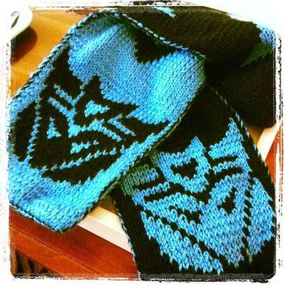 Hey @tsobry!! It's finally done! Knitting Decepticon Transformandriseup