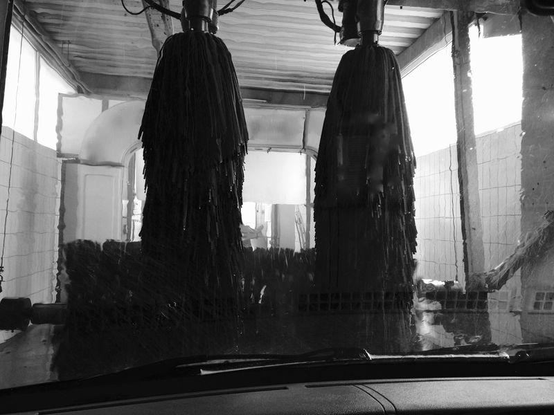 Black And White Blackandwhite Carwash Carwashing Carwashmachine CarWashTime Eye4photography  Iphonephotography No People Taking Photos Mein Automoment The Drive