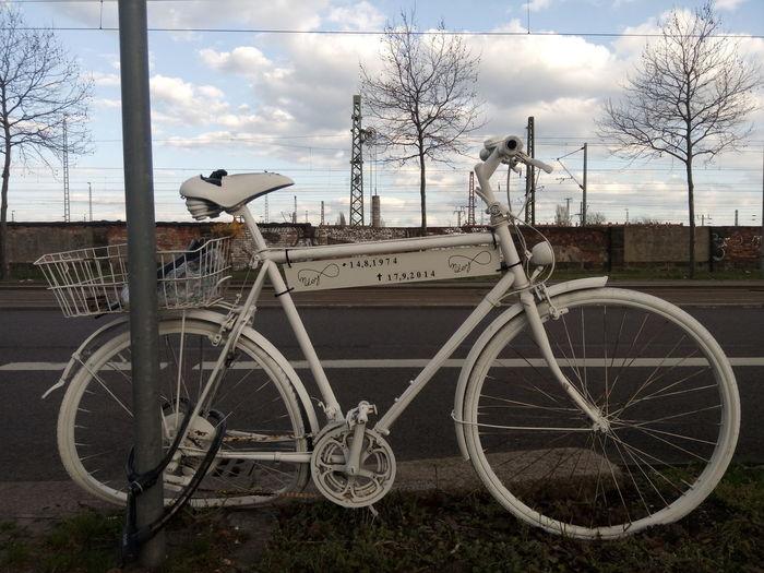 Bicycle Bike Cloud Fahrrad Himmel Himmel Und Wolken Leipzig Rest In Peace Rip Sky Sky And Clouds Transportation Weiss White Wolken