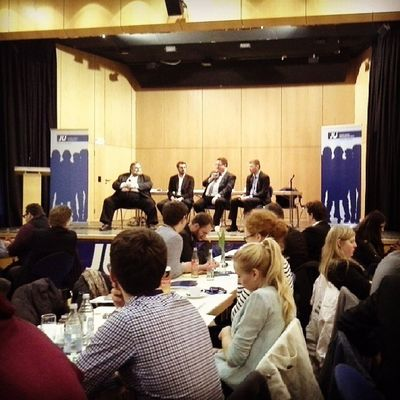 Nun wird mit Dr. Thomas Ulmer MdEP, Hans-Joachim Fuchtel MdB & caspary über Europa diskutiert. :) #NordBaden #Bezirkstag #JU Kubus Ju Nagold Politik Jungeunion Bezirkstag Nordbaden