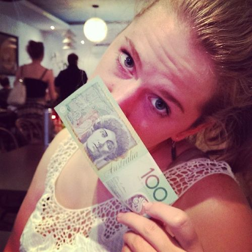 All I see is dollar signs. Ohhh oh Ohhh. Money on my mind. Dem100dollabillz @alisonhickerson