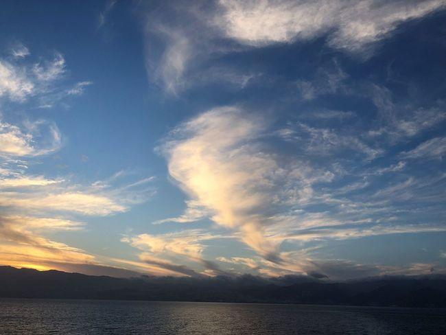 Sky Water Cloud - Sky Beauty In Nature Scenics - Nature Tranquil Scene Tranquility Sea Waterfront Nature Sunset Idyllic No People Horizon Non-urban Scene Mountain Outdoors Horizon Over Water Sonnenuntergang Wolkenbilder Wolkenkunst Wasserspiegelung Himmel Und Meer Abendstimmung Tenerife Island