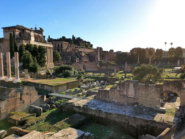 Roma o Morte Built Structure Travel Destinations Ancient Civilization Archaeology Ancient Architecture History The Past Building Old Travel Old Ruin Rome Italy Sightseeing Italian Architecture Acient Streetphotography Travel Place Of Worship Church Roma