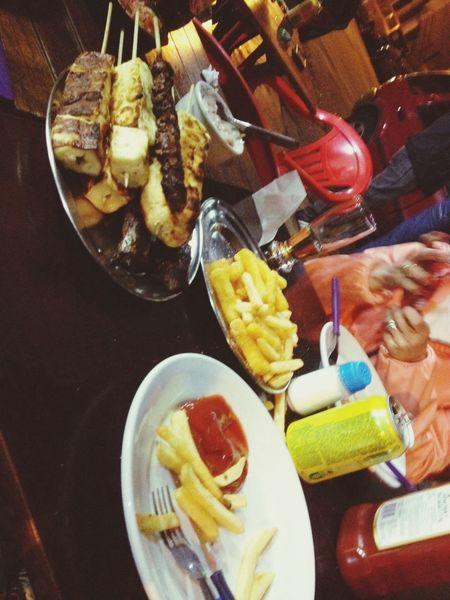Porue não sou obrigada a passar vontade :3 Food Delicious With Friends Relaxing