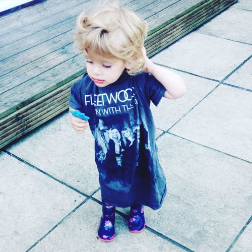Fleetwoodmac fan starting her off young 🙊