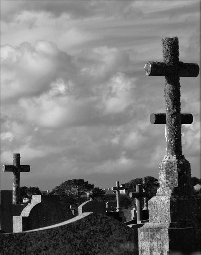 Atmospheric Mood Cemetery Cloud Cloud - Sky Cloudscape Cloudy Dramatic Sky Moody Sky Outdoors Religion Sky Spirituality
