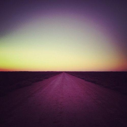 Mungo sunrise. #roadtripbsides #rantfreefriday Lachlanpayneawesomeamazingphotosbestinstagramereverfollowmenow Lachlanpayne25 Rantfreefriday Payneroadtrip Roadtripbsides