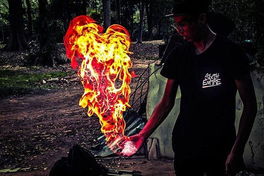 Never play with fire and think you won't get burnt 🔥 🚹: @und3rrat3d Blazeitup2k16 Illfamedkilla Illgrammers IGDaily Igers TheCreatorClass Createexploretakeover CreateExplore Teamcanonsg Fire Firebending Shutters Lioncity Sgig Lioncityshooters Lioncitymisfits Lioncitymisfits Sgprowlers Streetmobs Sgvsco Vscocam VSCO Lostshoot Straightxvibes Shoot2amazing venturesi forwardaltruism streetfleeks sixthempire aestheticshot