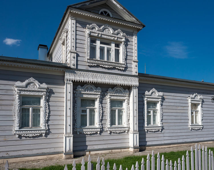 Russia, tourism, wooden house, Kolomna Russia Architecture Blue Building Building Exterior Built Structure City Cloud - Sky Day Façade House Low Angle View Nature No People Outdoors Pediment Residential District Sky Sunlight White Color Window Wooden House