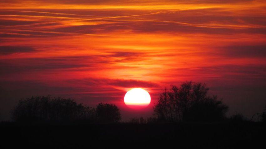 Sunset #sun #clouds #skylovers #sky #nature #beautifulinnature #naturalbeauty #photography #landscape Croatia ♡