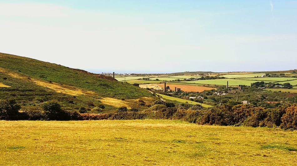 Landscape Open fields Mining Country Rolling Fields Rural Countryside Northcountry Cornwall Taking Photos Landscapes With WhiteWall Carn Brea disused mine shafts Hills Rolling fields Panarama Fields of Gold
