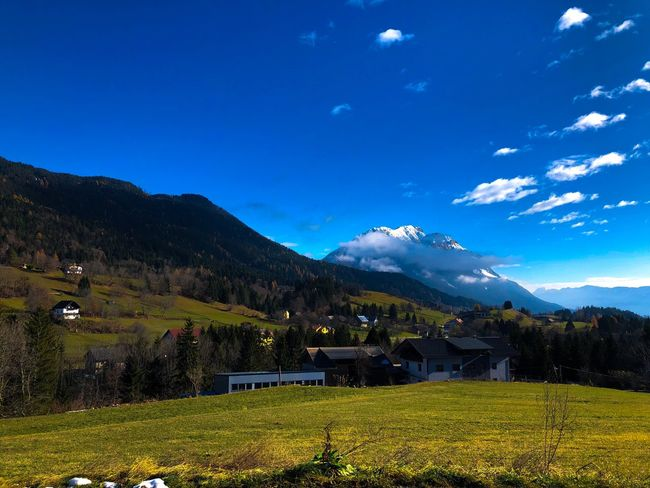 Blick zum Dobratsch Mountain Mountain Range Beauty In Nature Nature Landscape Grass Field House Sky No People Outdoors Day