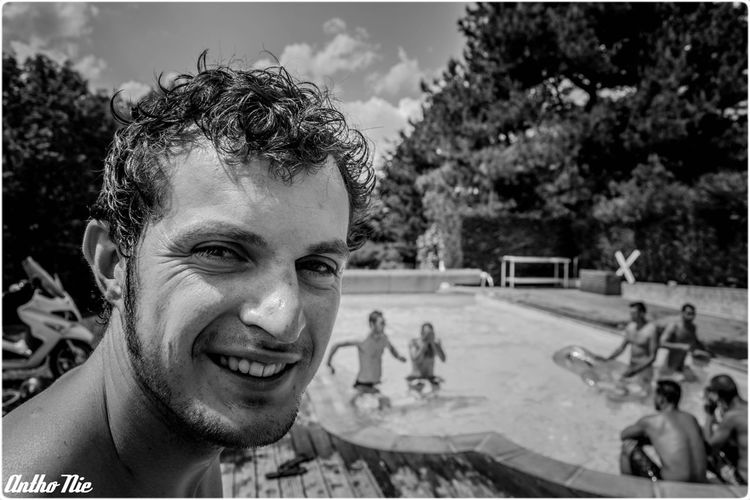 Portrait Summertime Monochrome Vetto Team