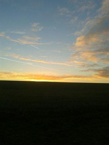 Airplanes Sonnenuntergang Yellow Feld