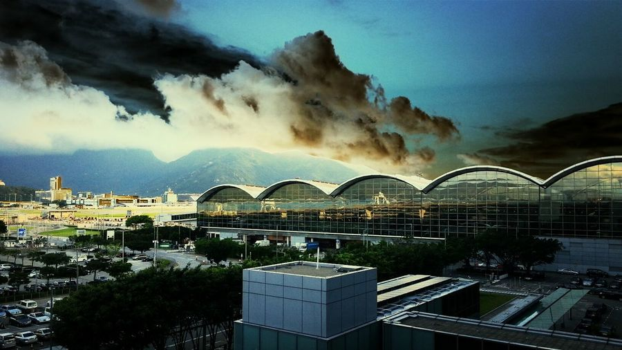 The low cloud of rainy day at Hong Kong Int.Airport WeatherPro: Your Perfect Weather Shot EyeEm Best Shots - Nature Collection Eye4photography  Nature Adapted To The City