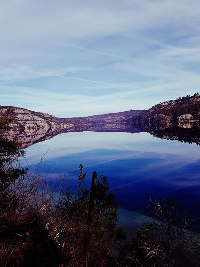 Nature Lake Breath Esparon Quiet Hiking Sky Water Outdoors Vacations Beauty In Nature People Colour Your Horizn