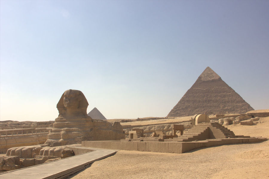 Giza Giza, Caïro, Egypt Gizapyramids Giza Pyramids Egypt Egyptian Egyptology Egyptian Goose Pyramid Pyramids Pyramids At Giza Desert Sunny Sunny Day Ancient Ancient Civilization Ancient Egypt