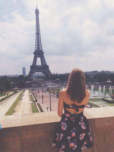 Old Foto  Tour Eiffel France Paris Enjoying Life Hi! Taking Photos Dress