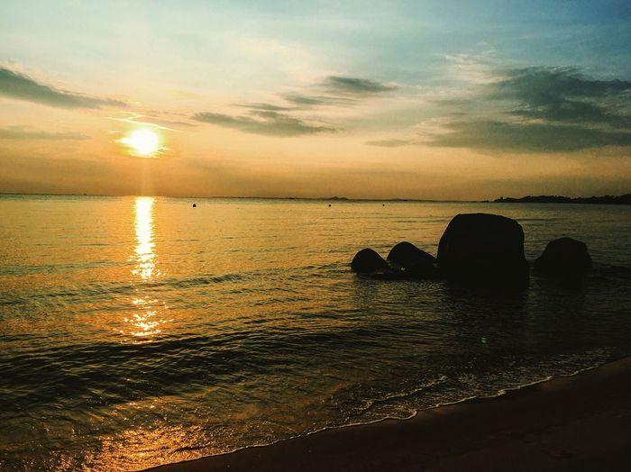 Beautiful Sunrise at the Sea Scene Water Sunrise INDONESIA Beach Beachphotography Sea Morning Sun Sky Cloud Sunshine Stone Sand Waves Scenery Bintan  Seascape Scape Nature