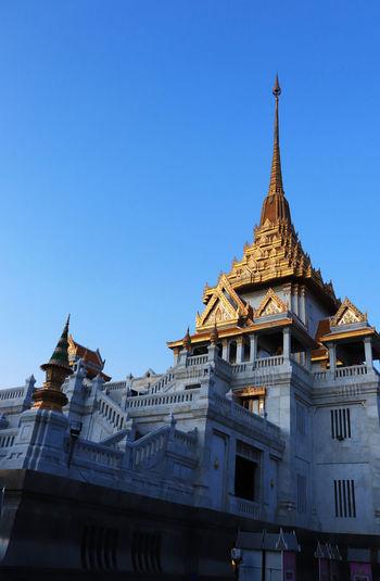 Wat Traimit at