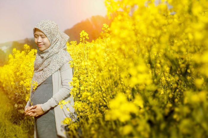 Pregnancy Muslim Women at Raps Field Muslim Muslimahtoday EyeEm Best Shots Pregnancy Hanging Out Hello Worldm Hijabstyle  The Portraitist - 2015 EyeEm Awards