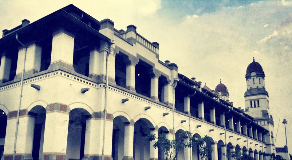 a hundred door building Lawang Sewu Enjoying Life Hello World Popular Photo