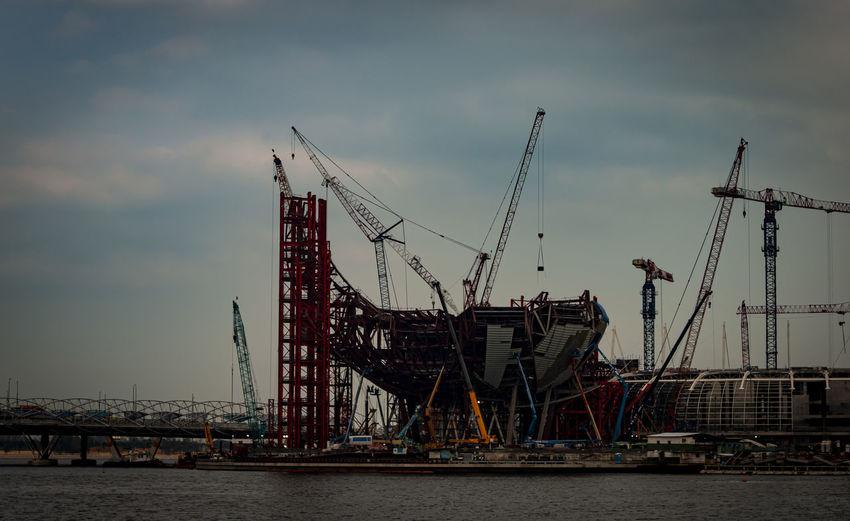 Sky Crane -
