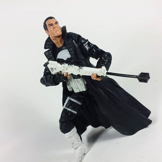 Punisher ThePunisher Frankcastle Marvel Marvellegends Marvelcomics Toys Toyphotography Toypizza Toysarehellasick Toycollector Toycommunity Toycollection Thefigureverse Ata_dreadnoughts ATA_MARVEL Toyslagram Toyunion