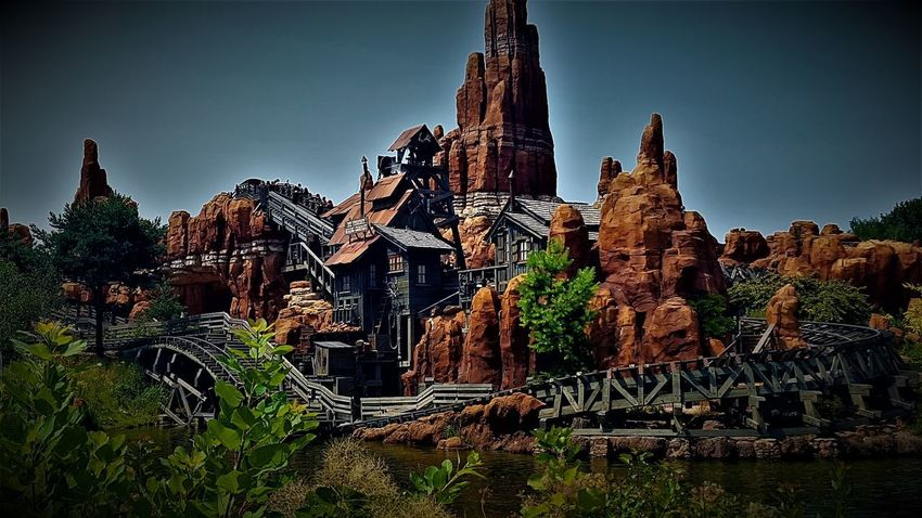 Big Thunder Mountain Railroad - Disneyland Resort Paris 2017 2017 2017 Year 2017 Photo 25th Anniversary Disneyland Paris DLRP France Disneyland Paris Disneyland Paris 💚🎆🗼 Disneyland Resort Paris Disneyland Resort Paris 2017 Disneyland Resort Paris 25th Anniversary Eurodisney Travel Photography Architecture Big Thunder Mountain Big Thunder Mountain Railroad Built Structure Day Disneylandparis Eurodisneyland History No People Outdoors Sky Spirituality Travel Destinations