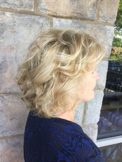 Beautiful glamour blonde hair Check This Out Textured Haircut L'Oreal Professionnel Check This Out Haircolor Z Nevaeh Salon Curls