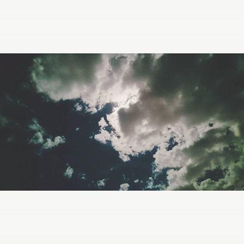 -_- wtf Xperialowlight PitchBlack 946pm