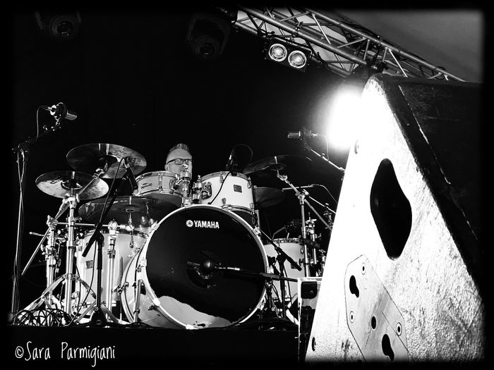 Drum check! @achtungbabies Soundtrack Of Our Lives Arts Culture And Entertainment Indoors  Musical Instrument Drummer Marbisoux 2017 U2 U2tributeband Achtungbabies Shadows And Backlighting Monochrome Bianco E Nero Soundsystem Black And White Photography Blackandwhite Photography Greyscale Monochrome Photography Soundcheck Blackandwhite EyeEm Bnw Black And White Shadows & Lights Black & White Larrymullenjr LiveMusic