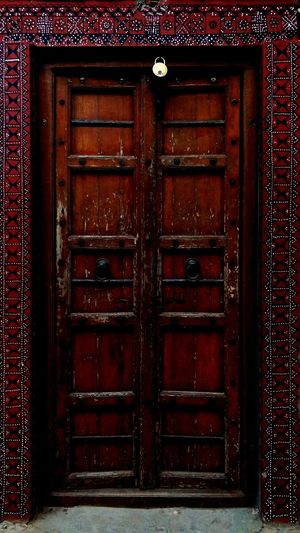 Door Closed Safety Entrance Security Protection Wood - Material Lock Doorway Pattern Day Outdoors No People Old-fashioned Close-up Architecture EyeEmNewHere EyeEm Best Shots Arts Culture And Entertainment EyeEm Selects Architecture