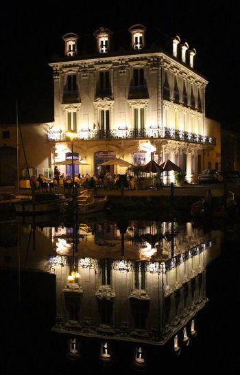 Symétrie parfaite / perfect symmetry Night Reflexion