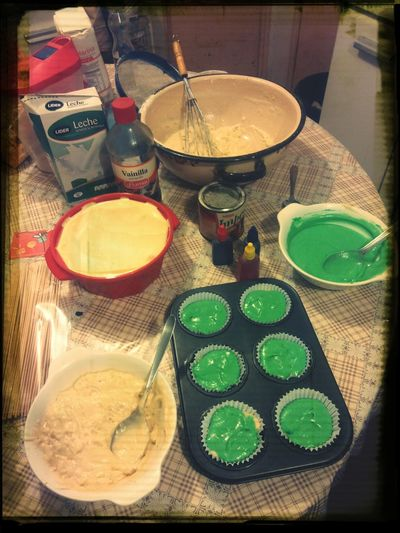 I cook cupe cakes with my mom
