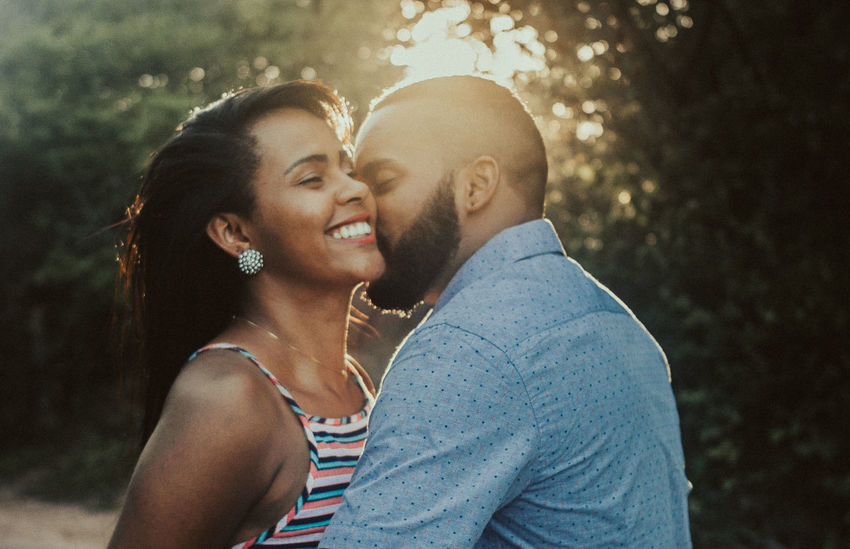 T + H Portrait Wedding Wedding Photography Kiss Love Men Cheerful Love Couple Hugging Posing Finger Ring Dating Date Night - Romance Romantic Activity Love At First Sight Groom Kissing
