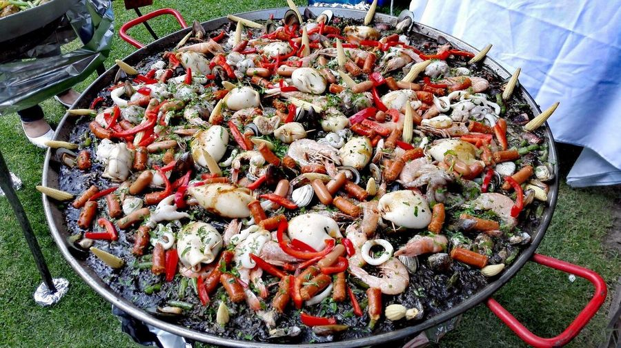 Food And Drink Food Paellas Paella De Marisco Paella! Paellanegra Paellasgigantes PaellaValenciana Paella Valenciana Paella Incoming Huawei P9 Leica Huawei P9 Plus HuaweiP9plus High Angle View Freshness No People Outdoors Healthy Eating Close-up Large Group Of Objects Day