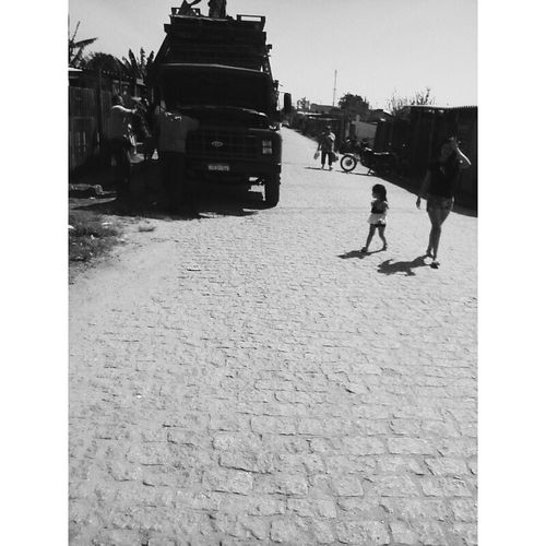 The Truck e The Child Streetphotography Street Happy Child  Child Portrait