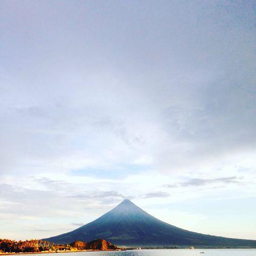 First Eyeem Photo Mayon Volcano Philippines EyeEm Nature Lover EyeEm IPhoneography Mayon Mayon Volcano Mayon Volcano Daraga, Albay Philippines
