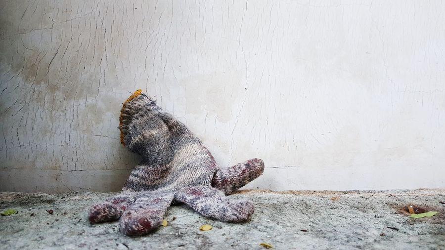 No People Close-up Glove Gloves Rest Exhausted Loser Lost Desperate Sad Sad & Lonely Afterwork Afterworkout One Glove Fingers Ruined Debris, Rubbish, Polution, Debris Debris On The Rocks