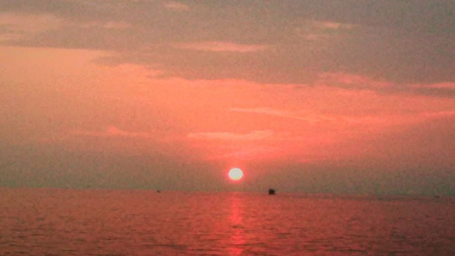 Sunset Tranquil Scene Sea Water Tranquility Horizon Over Water Beauty In Nature Sun Waterfront Sunset Idyllic Nature Majestic Reflection Non-urban Scene Calm Sky Seascape Scenics Tranquil Scene Sea Water Tranquility Horizon Over Water Sun Beauty In Nature