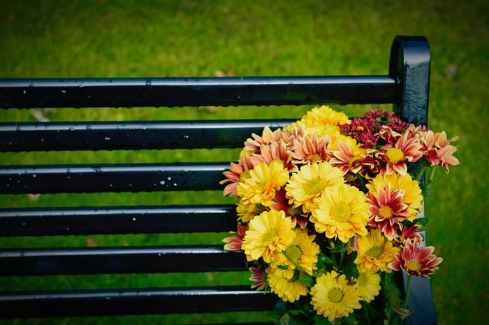 Memorial Bench Bouquet Of Flowers Never Forget