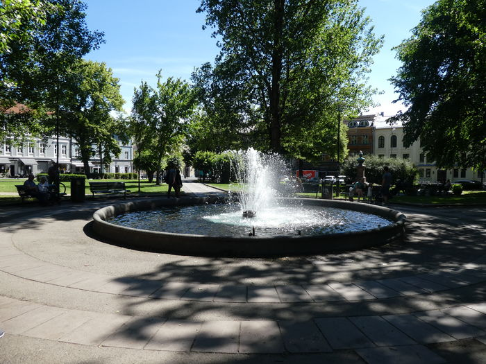 Park Fountain Tree Summerday Walk In The Park Enjoying Life Urban Lifestyle Urban Exploration Street Life City Life Olaf Ryes Plass