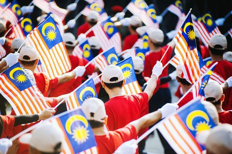 Learn & Shoot: Layering Merdeka58 Street Photography Parade Sehatisejiwa Kuala Lumpur Malaysia  Flags Independence Day