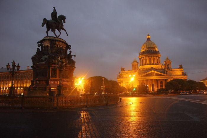 The view of Saint Isaac Cathedral during dawn with monument statue of Tsar Nicholas 1 in the foreground in Saint Petersburg, Russia. Saint Isaac's Cathedral Saint Petersburg, Russia Saint-Petersburg Statue Travel Tsar Nicholas 1 Architecture Dawn History Statue Of Tsar Nicholas 1 Travel Destinations