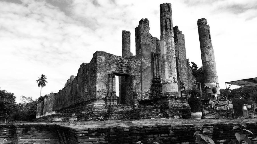 History Architecture Sky Cloud - Sky Old Ruin Outdoors No People Building Exterior EyeEm Selects Ancient Civilization Ayutthaya Historic Park Ayutthaya Historical Building Historic Ruins Architecture Blackandwhite Ruins Ruined Ancient Architecture Religion Monochrome Photography Thailand Monochrome The Week On EyeEm The Past Place Of Worship Temple Temple - Building Civilization